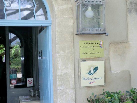 Noves, Francia: La porte d'entrée.