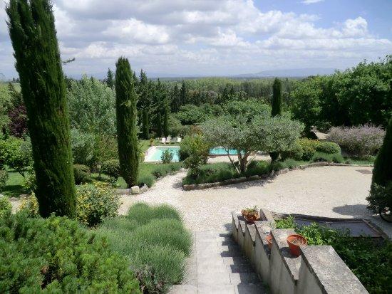 โนฟส์, ฝรั่งเศส: Espace jardin avec piscine