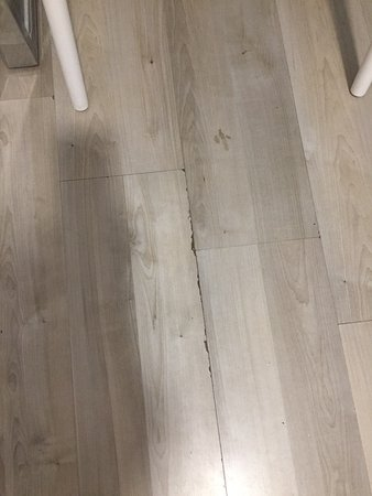 Floor Lifting Up And Sticky Picture Of Guest House Teatrin Split