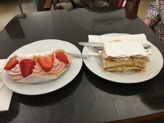 Waidhofen an der Ybbs, Österreich: This is part of the out of this world pastry from Piaty !