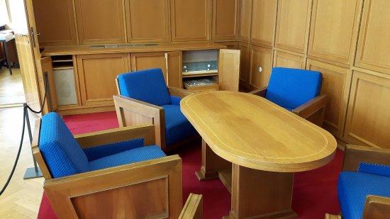 Salle de réunion près du bureau du directeur de la stasi heinrich