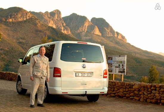Constantia, Sudáfrica: Malcolm Frye  - M. F. Tours V W T 5 Microbus - Licensed to Carry Seven Persons.