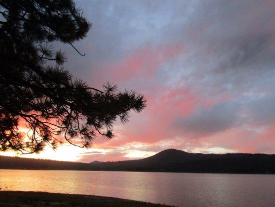 Lagonita Lodge: Sunset from patio