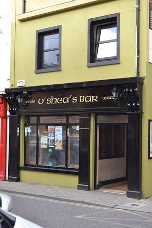 Killorglin, Ierland: Entrance of O'Shea's Bar