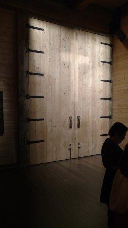 Ark Encounter: God shut the door. No handles needed. ; ) & God shut the door. No handles needed. ; ) - Picture of Ark ... Pezcame.Com