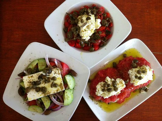 Restaurant Alyki : three of our greek salads