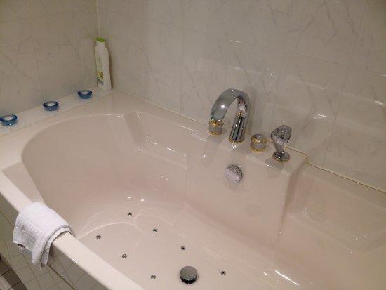 whirlpool wanne bild von hotel marienhof dorfen. Black Bedroom Furniture Sets. Home Design Ideas