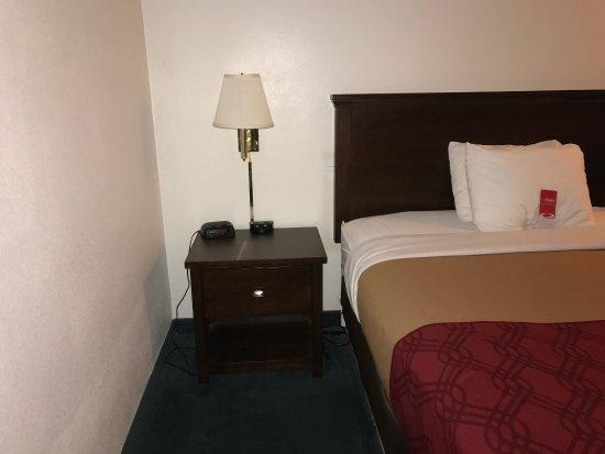 Lincoln City Value Inn: photo1.jpg