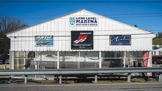 Wrightsville, PA: The front of our indoor boat storage facility at the Marina!