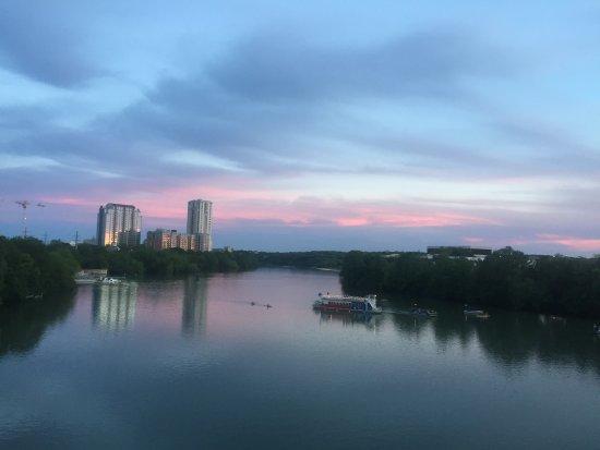 Lady Bird Lake Hike-and-Bike Trail : Congress bridge at dusk waiting for the bat colony to emerge