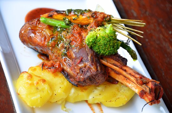 Desa Sekotong Barat, Indonesia: Lamb cop could complete your dinner