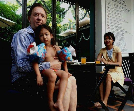 Tan Kang Angkor Hotel: Poolside breakfast