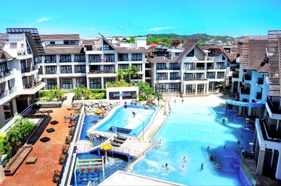 Crown Regency Resort & Convention Center