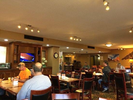 Quality Inn South: Breakfast.