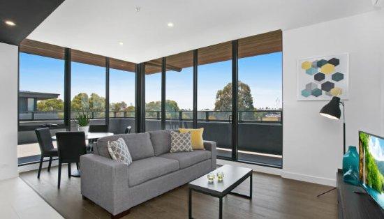 Clayton, Australia: 2 Bedroom Apartment