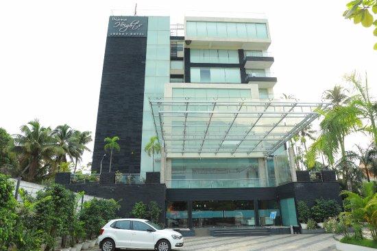Diana Heights Luxury Hotel: hotel image