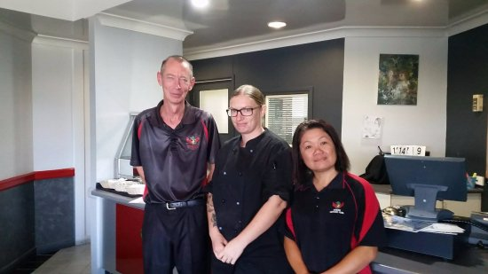 Sarina, Australia: Some of our Kitchen staff - Bill, Zoe and Zenny