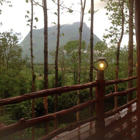 Chiangkham Luang Resort: View to Doi Chiang Dao