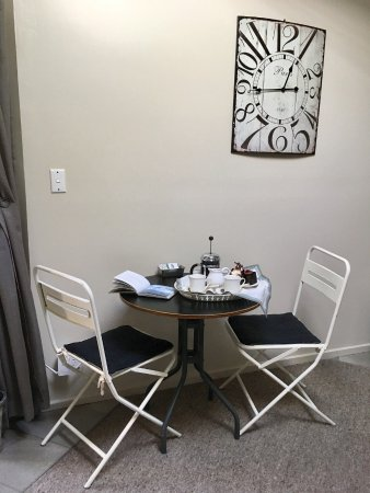 Longford, Australien: Studio Room dining area