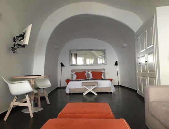 San Antonio Suites Photo