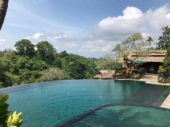 Pita Maha Resort and Spa: Stunning location  June 2017