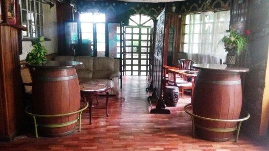 Bermuda Garden Hotel: lounge
