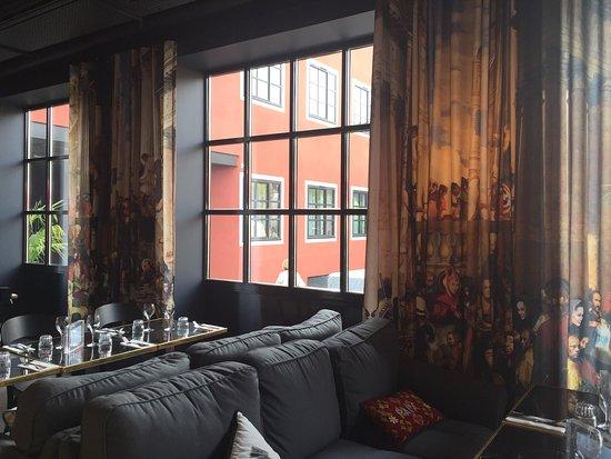 mob hotel saint ouen voir les tarifs 37 avis et 20 photos. Black Bedroom Furniture Sets. Home Design Ideas