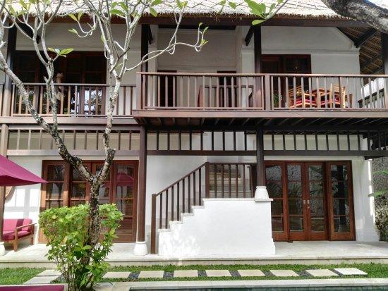 Karma Jimbaran: Three bedrooms, Master top floor.