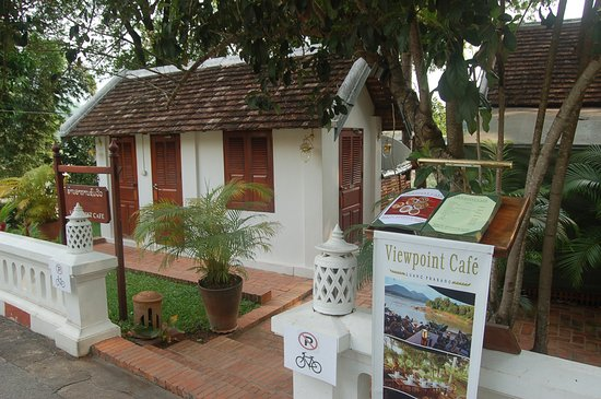 Viewpoint Cafe: entrance