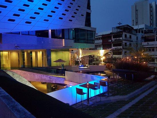 Lit bangkok hotel desde tailandia opiniones y comentarios hotel tripadvisor - Hotel bangkok piscina ...