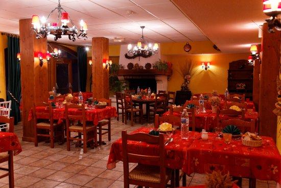 Foncine-le-Haut, Frankreich: petite salle restaurant