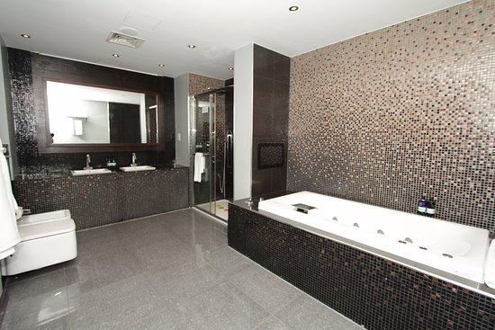 Rafayel on the left bank hotel spa 2018 prices for Hotel rafayel londres