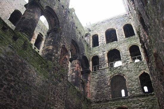Rochester Castle: Castle view inside