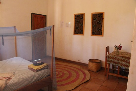 Pakachere Backpackers & Creative Centre: Self-contained double room