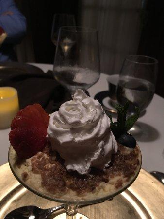 Fruitland Park, FL: Almond cake
