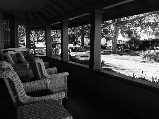 Oak Bluffs Inn: photo1.jpg