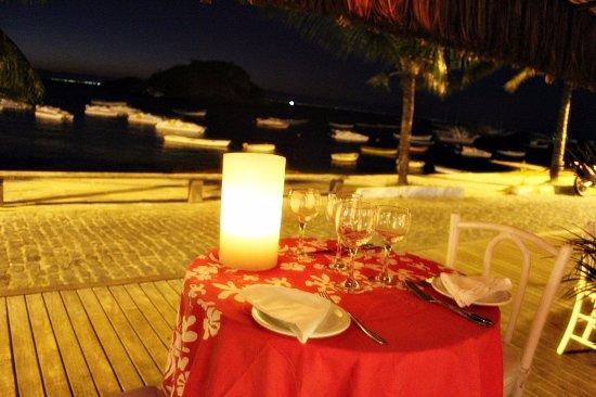 Μπούζιος: Restaurantes Paseo de la Orla Bardot - Noche