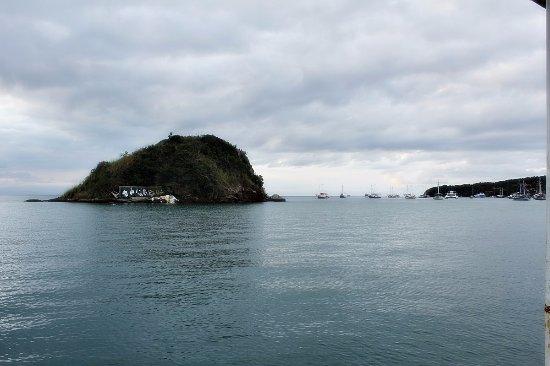 Buzios, RJ: Isla casi al frente del Paseo de la Orla Bardot