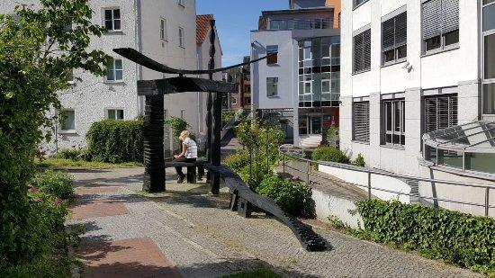 """Skulptur """"Gebautes und Gewachsenes"""""""
