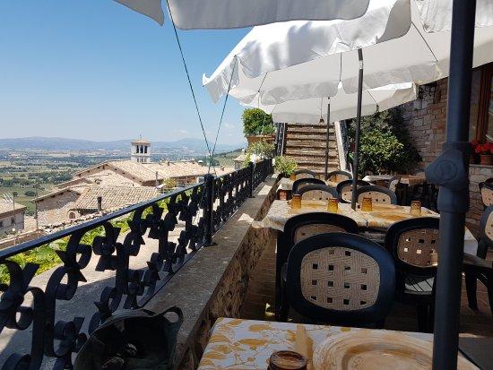 20170603_123511_large.jpg - Picture of Le Terrazze di Properzio ...