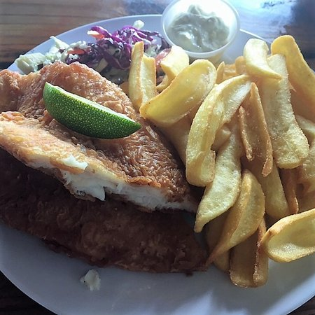Dinghy Dock Bar OP: Awesome fish and chips!