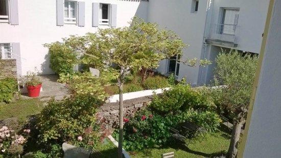 Jardin de l 39 h tel photo de h tel l 39 escale le d 39 yeu tripadvisor - Hotel l escale ile d yeu ...