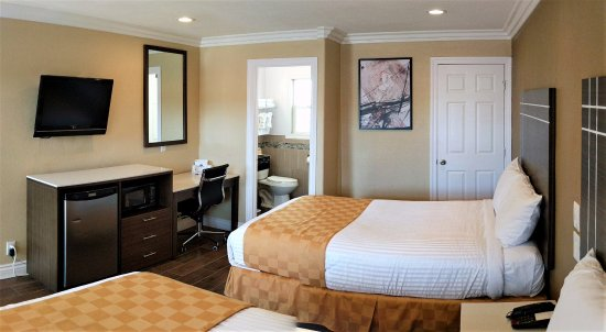 Antioch, CA: Two Double Beds