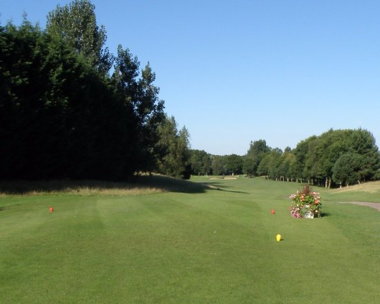 ‪‪Farnborough‬, UK: First Hole‬