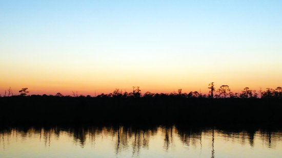 Chickasaw, AL: Chickasabogue Creek has some of the most beautiful sunsets.