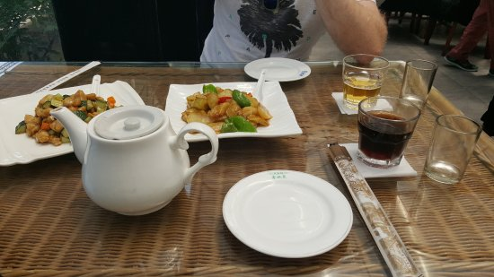 Food at chinese restaurant picture of tour beijing day for 77 chinese cuisine