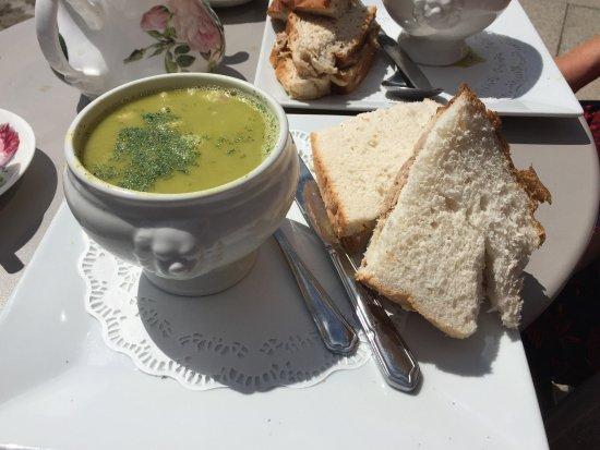 Tea Room Along Leeds And Liverpool Canal