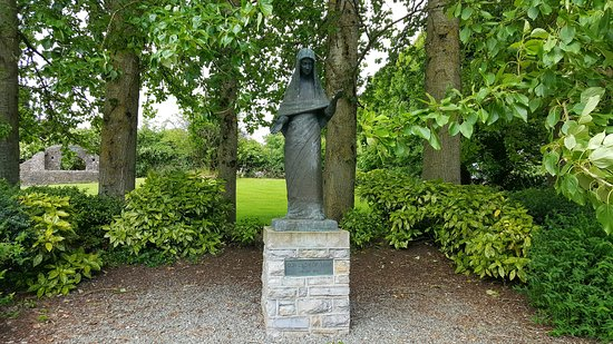 Maudlin Cemetery and Our Lady of Trim