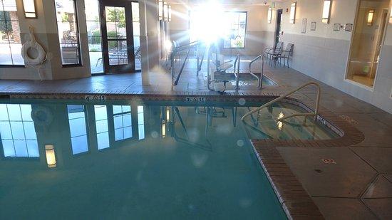 Staybridge Suites Reno Nevada: Pool & Spa