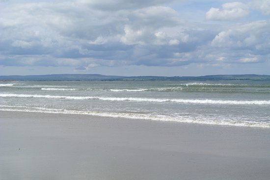Seasons Lodge: Enniscrone beach